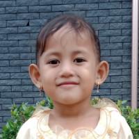 Adozione a distanza: Vania (Indonesia)