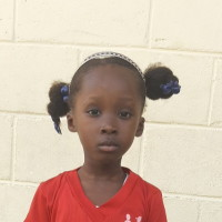 Apadrina Esther (Haiti)