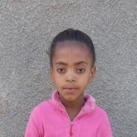Adozione a distanza: sostieni Meaza (Etiopia)