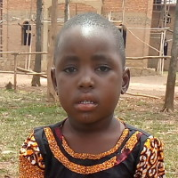 Adozione a distanza: sostieni Dorcas (Ruanda)
