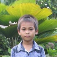 Adozione a distanza: sostieni Misa (Indonesia)