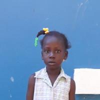 Adozione a distanza: sostieni Roodnaline (Haiti)