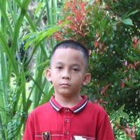 Adozione a distanza: sostieni Jos (Indonesia)