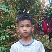 Adozione a distanza: sostieni Raja (Indonesia)