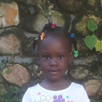 Apadrina Humlly Shanai (Haiti)