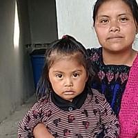 Adozione a distanza: sostieni Dina (Messico)