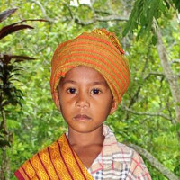 Adozione a distanza: sostieni Gisan (Indonesia)