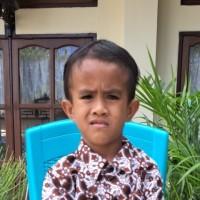 Adozione a distanza: sostieni Gabriel (Indonesia)